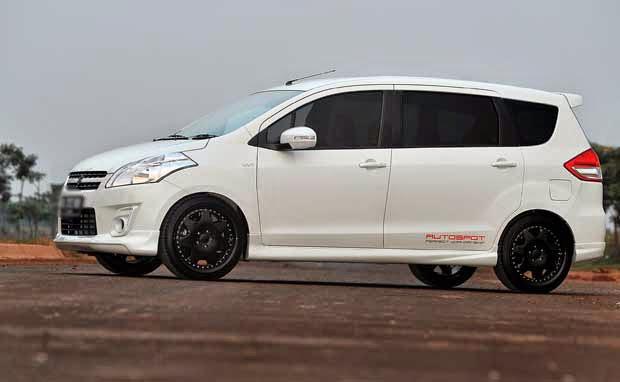 Modifikasi Mobil Suzuki Ertiga Putih