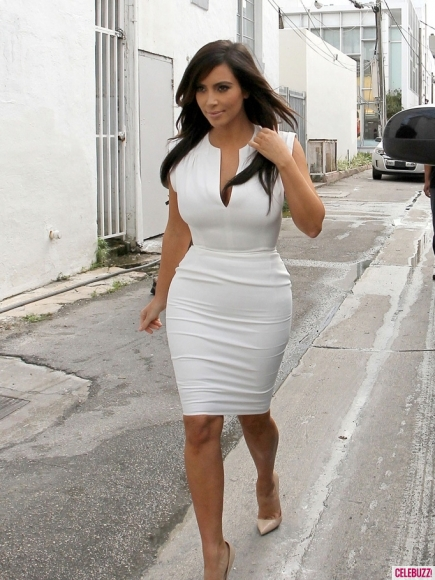 DEKODA ENTERTAINMENT WORLD: Kim Kardashian's Sexiest White ...