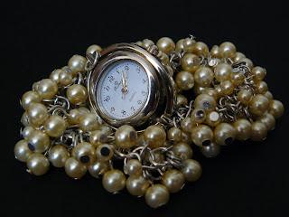 biżuteria z półfabrykatów - zegarek z pereł