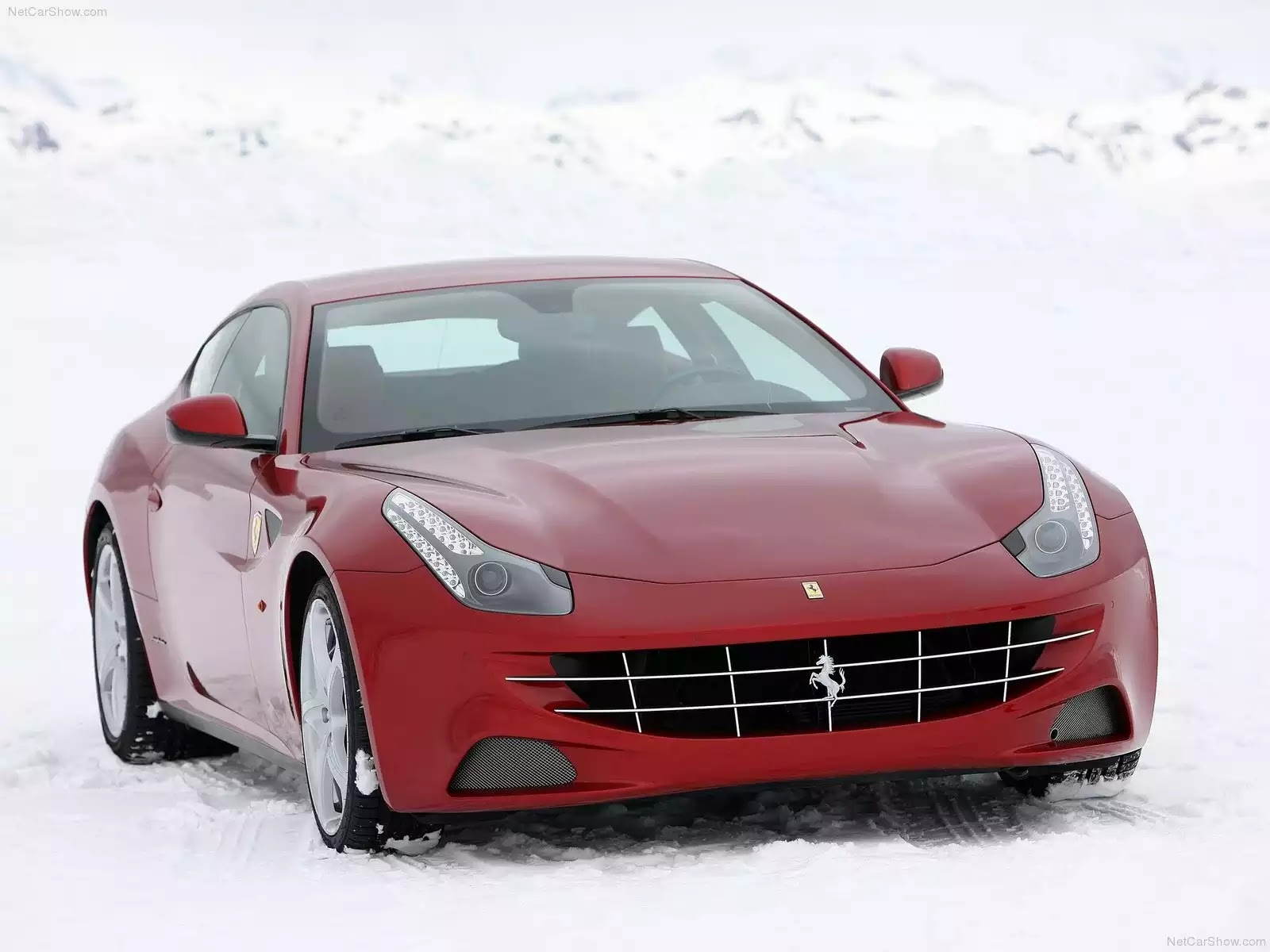 Hình ảnh siêu xe Ferrari FF 2012 & nội ngoại thất