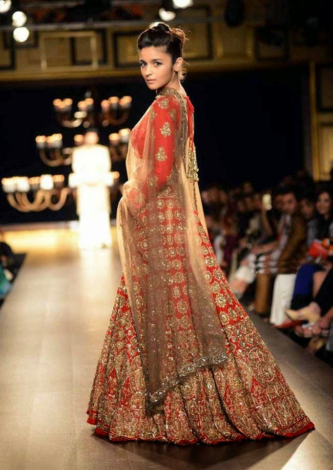 Alia Bhatt In Lehenga at India Couture Week 2014