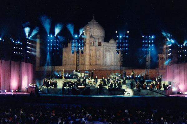 Yanni concert in India .