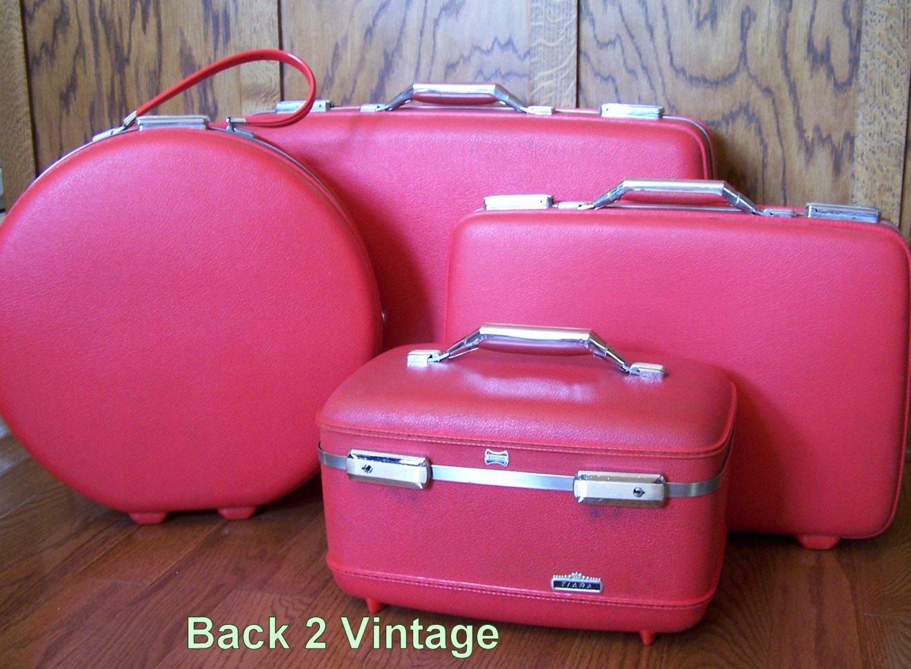 Back 2 Vintage: Seeing Red!