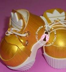 http://www.patronesfofuchas.org/2014/10/patrones-fofuchas-zapatos-dorados.html
