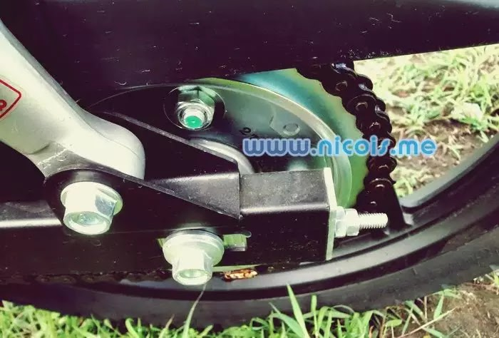 Tampilan swing arm belakang New Supra X 125 FI 2014: lebih kokoh dan stabil