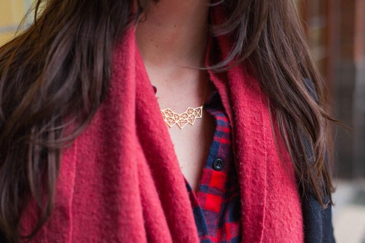 Lobogato geometric necklace