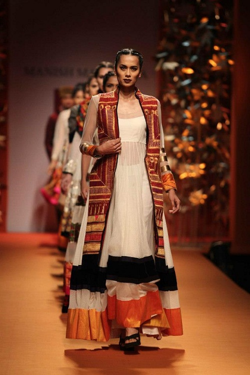 influence of fashion on indian youth Whether the influence of western culture is a boon or a curse to the indian youth, is a controversial topic no culture is good or bad after all, every culture is an educative refinement, a product of an era.