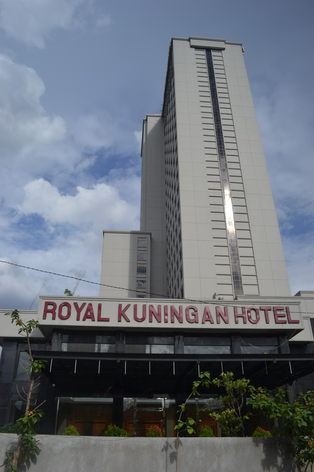 Royal kuningan hotel in jakarta the freudian slip of a for Hotel royal
