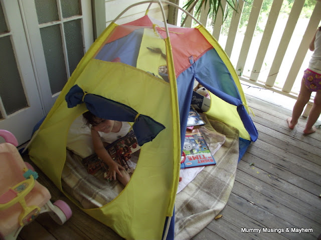 Toddler book Tent