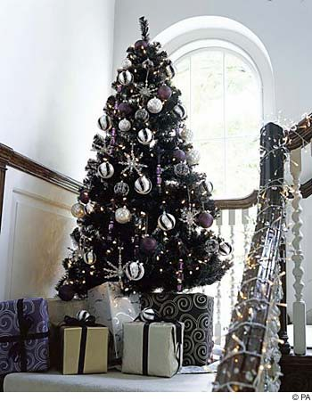 Black and silver christmas tree images pictures becuo - Black and silver christmas ...