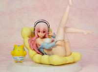 http://arcadiashop.blogspot.it/2013/11/super-sonico-bikini-sofa-statua.html