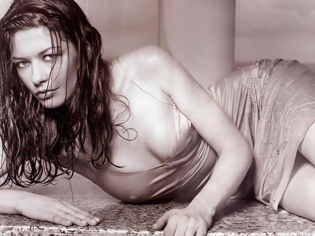 http://3.bp.blogspot.com/-QRjAantA3eU/TfZPM_NDX-I/AAAAAAAABCc/upMpMWn_jQ8/s1600/Catherine-Zeta-Jones.jpg