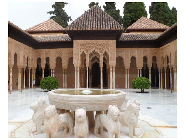 Patio de los Leones, Court of the lions in Alhambra Palace, Granada