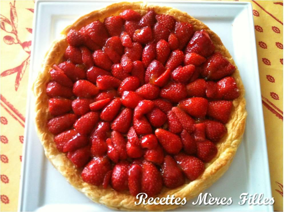 la recette fruits rouges tarte feuillet e aux fraises recettes m res filles. Black Bedroom Furniture Sets. Home Design Ideas