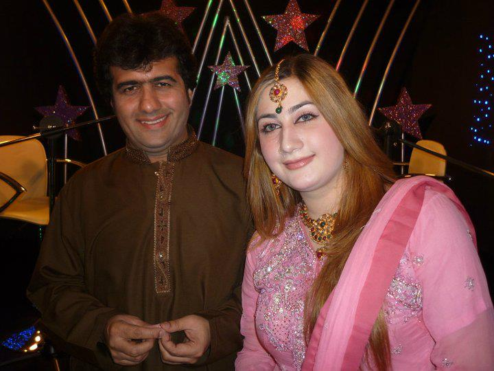 pashto cinema pashto beautiful singer urooj momand new snaps