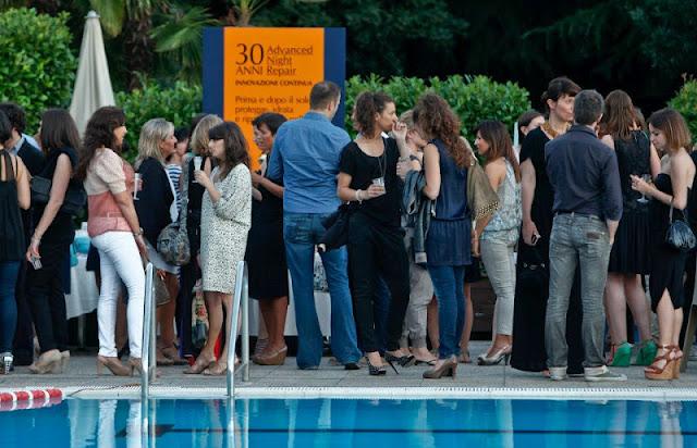 estée lauder advanced night repair siero 30 trenta anni 1982 party festa harbour club milano piscina