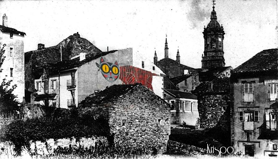 foto antigua de vista general de la parte vieja de hondarribia