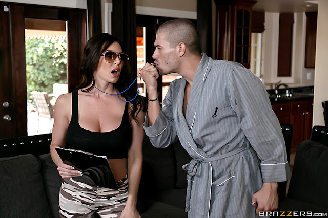 Kendra Lust – Join The Lust Army (Milfs Like It Big)