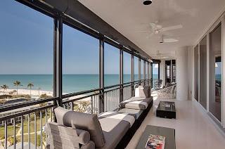 Desain Balkon Rumah 5