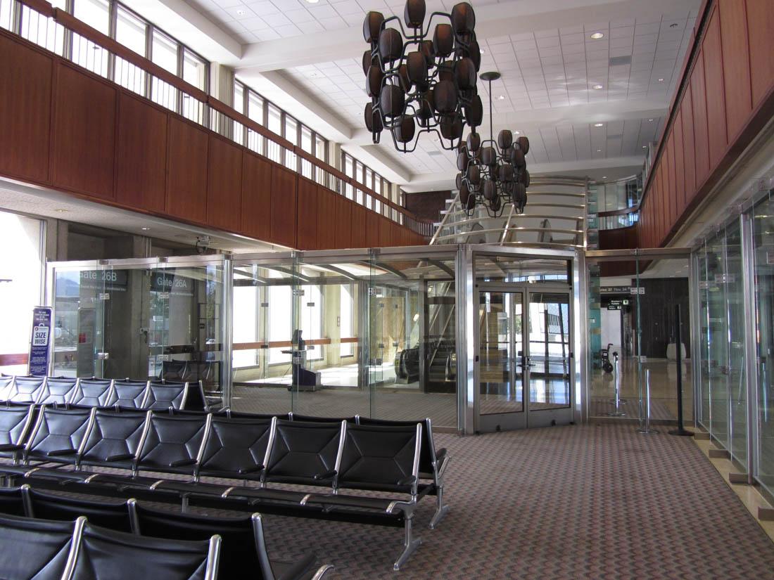 Hnl rarebirds june 2011 for International decor gates