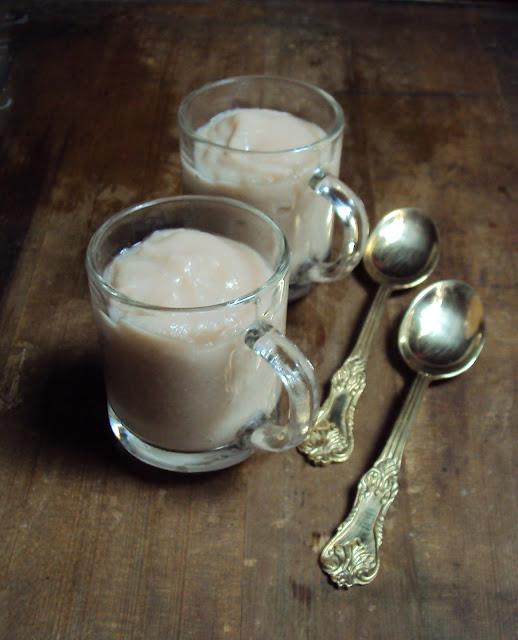 a simple dessert with water chestnut....kachhe singhade ka halwa..