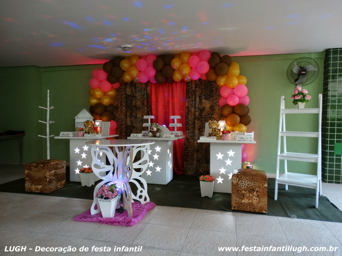 decoração para mesa temática com o tema da Onça (Oncinha) para festa de aniversário em qualquer idade de meninas