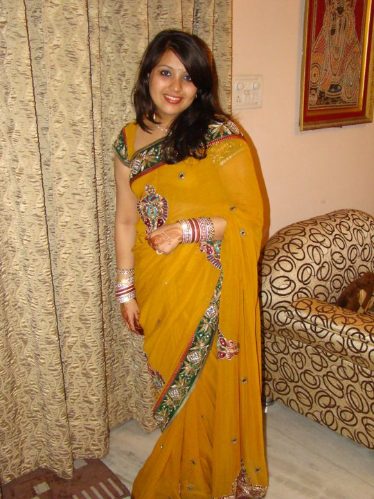 indian girl dating free Indian dating in canada welovedates indian dating is the premier indian dating site on the web, and finding indian singles looking for love has never been easier.