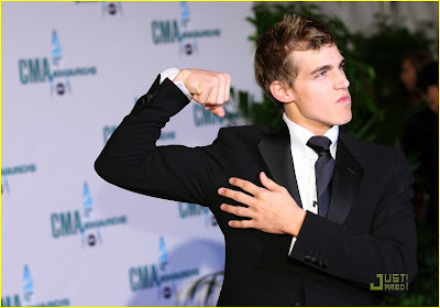 Cody Linley Worst Date With Demi Lovato ~ complete daily news