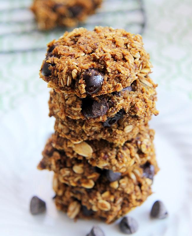 Mix it Up: Pumpkin Chocolate Chip Oatmeal Cookies