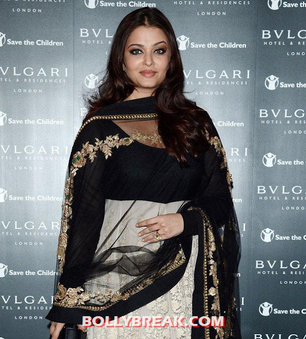 Aishwarya Rai - (3) -  Which Actress has Sexiest Hair in Bollywood?