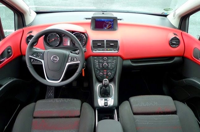 2016 Opel Meriva interior