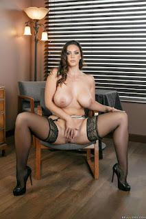 Hot Naked Girl - rs-14-763623.jpg