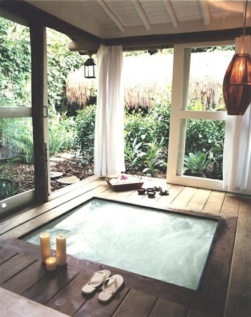 bathtub-inside-screened-deck