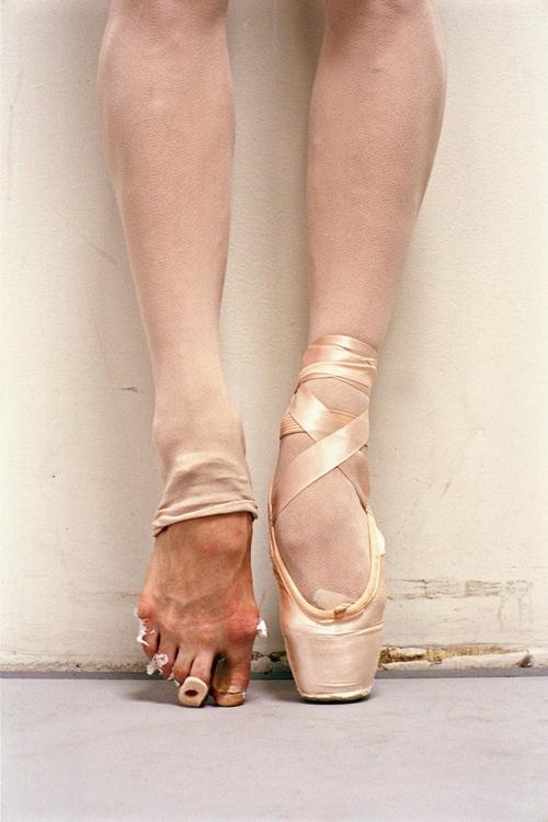 DeDanza: El sacrificio de una bailarina disfrazado de tul