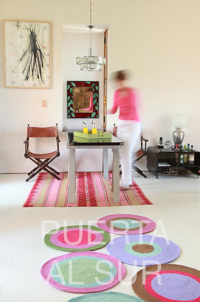 Puerta al sur alfombras tejidas de varios circulos para for Alfombras de colores