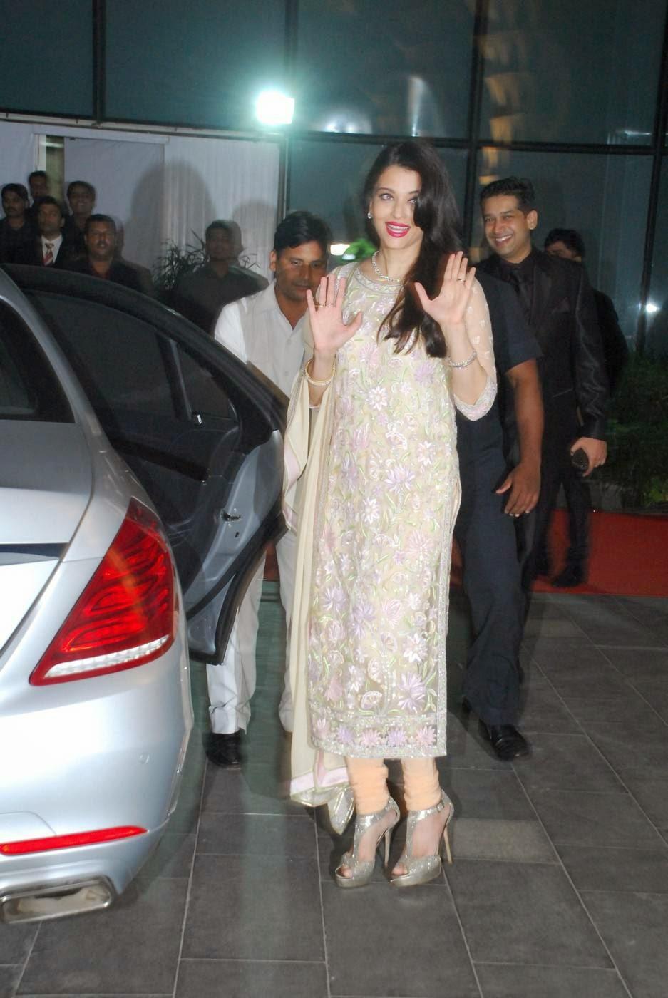 Actress Aishwarya Rai Latest Cute Hot Spicy Photos Gallery At Udhay-Shirin Wedding Reception