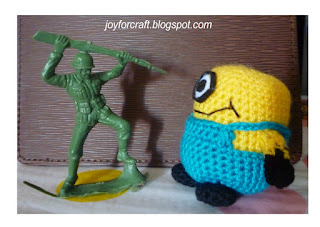 Crochet amigurumi cute mini minion pattern