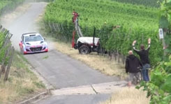 Neuville almost crash with a tractor
