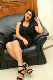 Actress Kruthika Jayakumar Pictures in Black Dress at Vinavayya Ramayya Movie Audio Release  0144