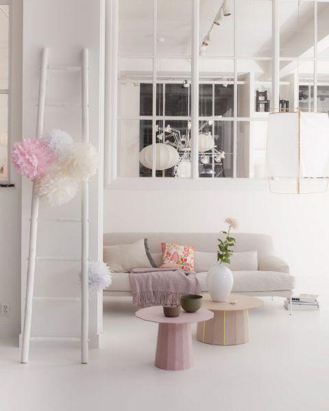 Vosgesparis monday giveaway win a decorative whitewash - Deco salon rose et gris ...