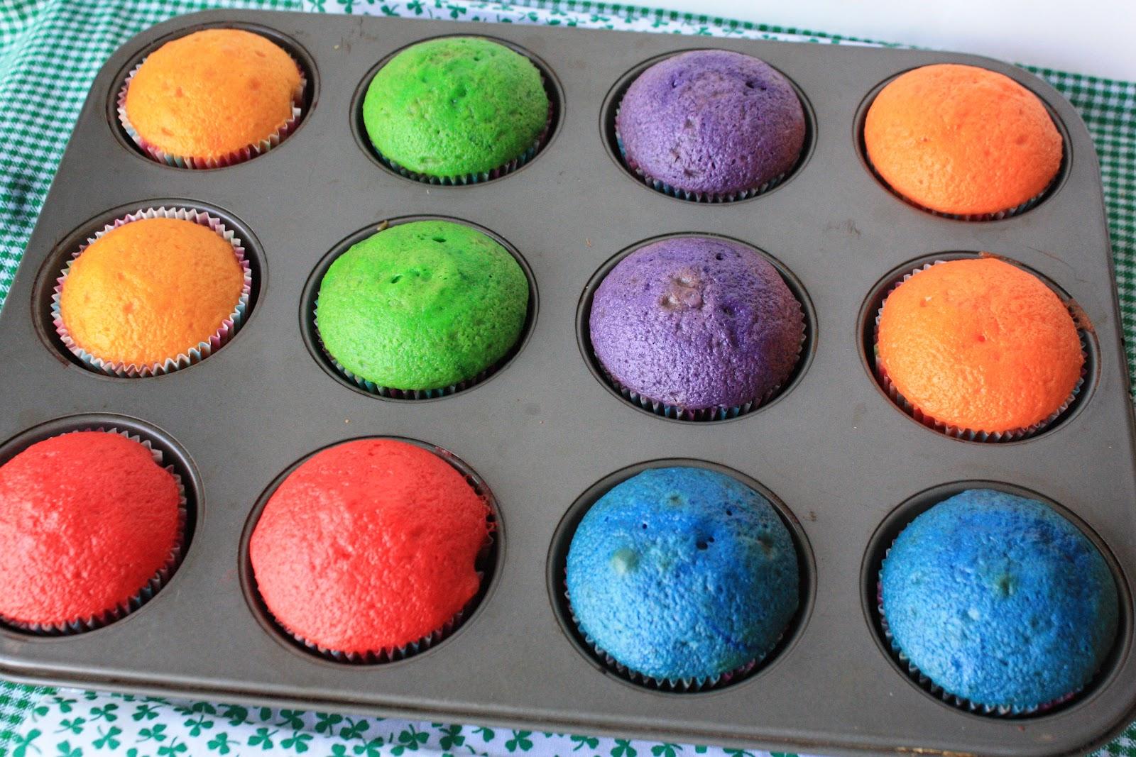 Munchkin Munchies: Rainbow Cake Pops