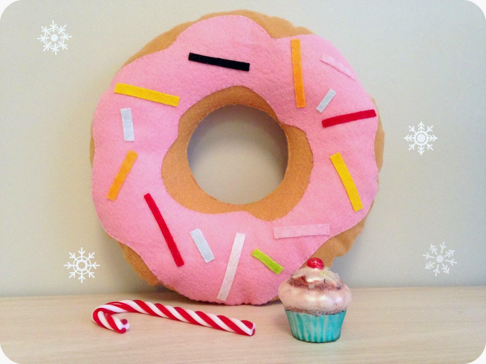 id e cadeau diy un coussin donut woody beauty. Black Bedroom Furniture Sets. Home Design Ideas