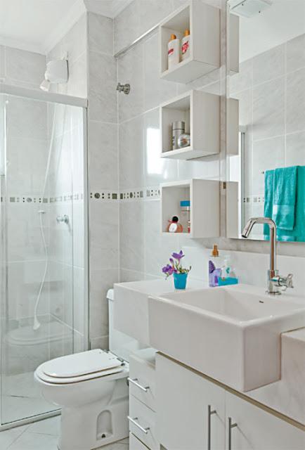 Eu moraria aqui 19 banheiros pequenos  dos mais simples aos rebuscados! -> Decoracao De Banheiro Pequeno Cinza