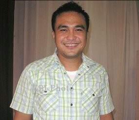 Yopie Beda Presenter ISL Meninggal Karena Serangan Jantung