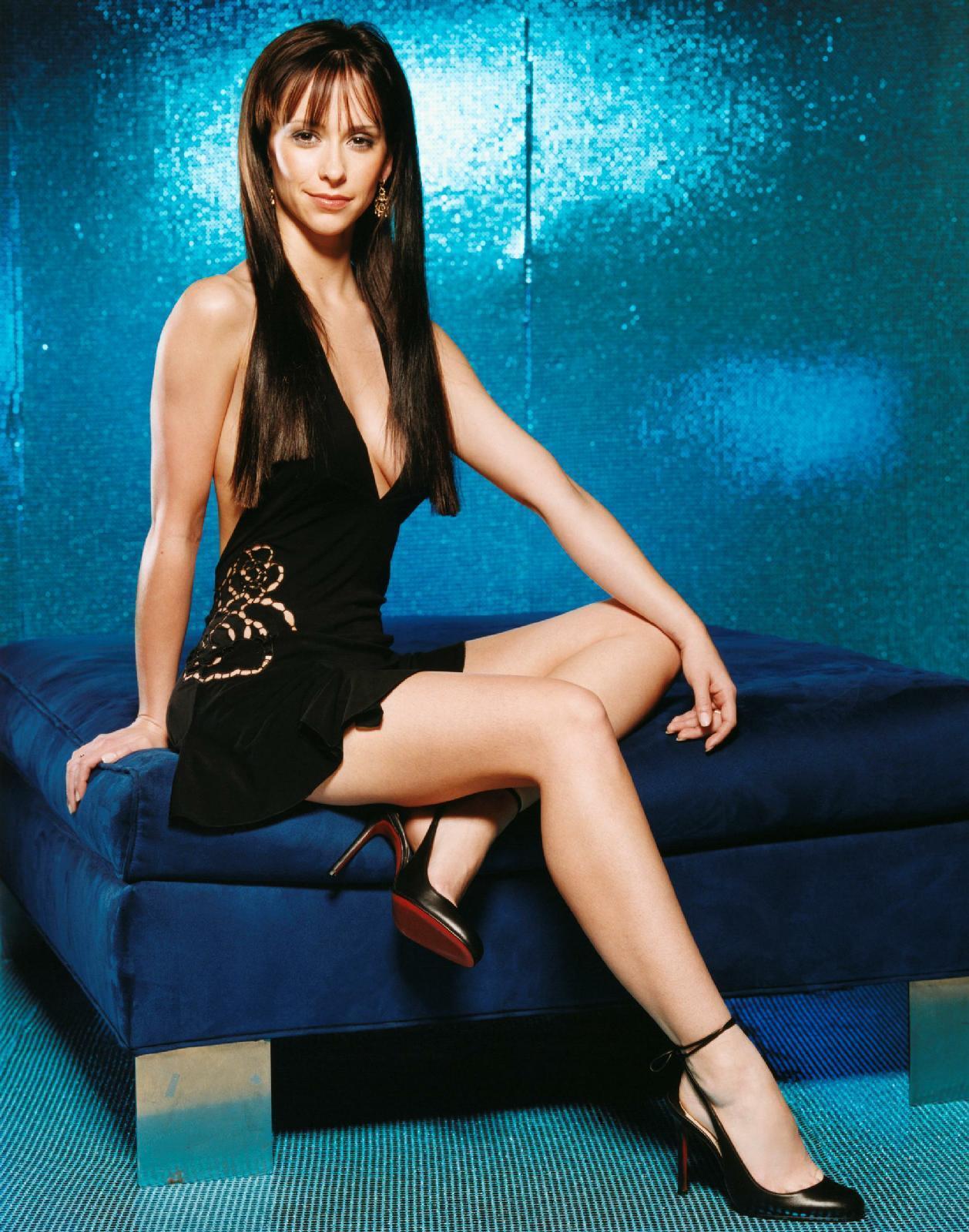 http://3.bp.blogspot.com/-QVTtbszl_8c/TclR7wpxnBI/AAAAAAAAAdU/L9DP6R-cYeY/s1600/FHM-Jennifer-Love-Hewitt-2002-fhm-1173349_1258_1600.jpg