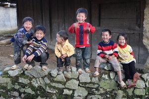 Dzao ethnic children in Tả Phìn village, Sìn Hồ