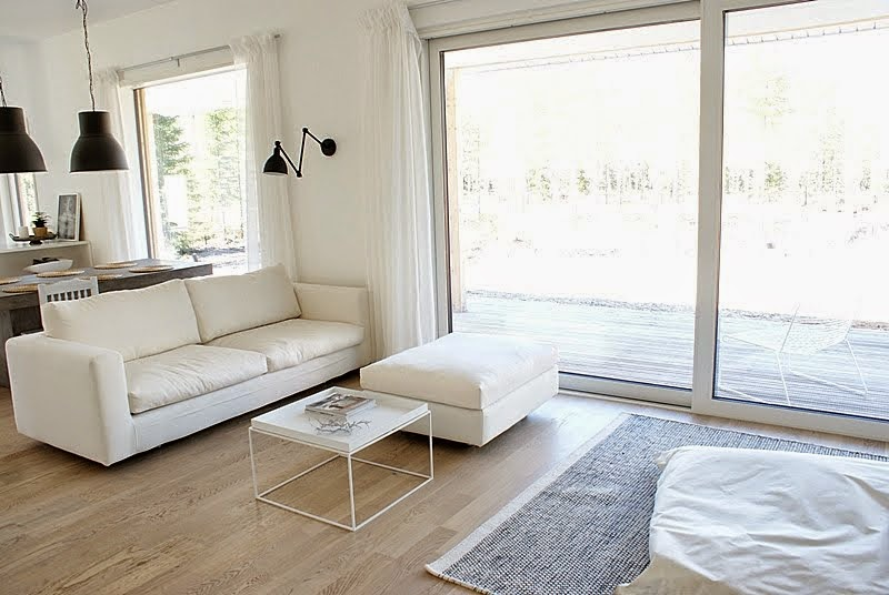 valkoinen sohva, ht collection elle xl sohva, minimalistinen sisustus, hay sohvapöytä