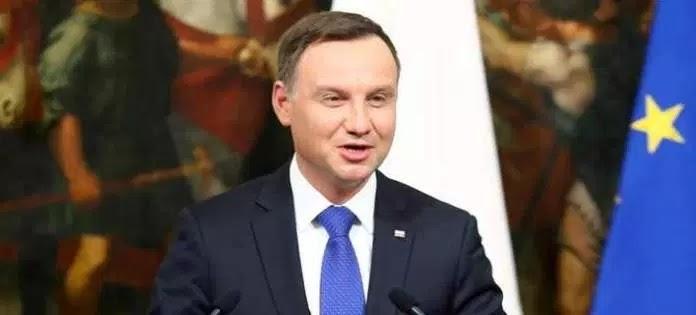 Πολωνία: Απαγόρευσε με νόμο κάθε αναφορά στον κομμουνισμό σε δρόμους και δημόσια κτίρια