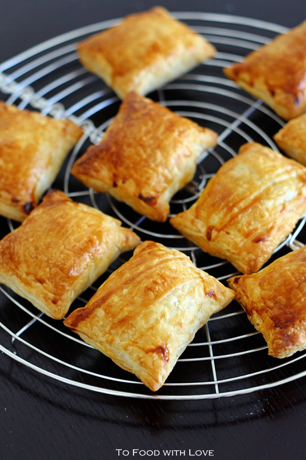 To Food with Love: Chicken Curry Puffs