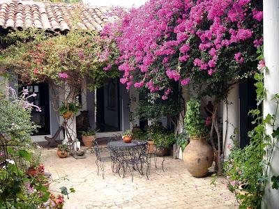 Um jardim para cuidar inspira es para pequenos p tios for Ideas para patios de casas